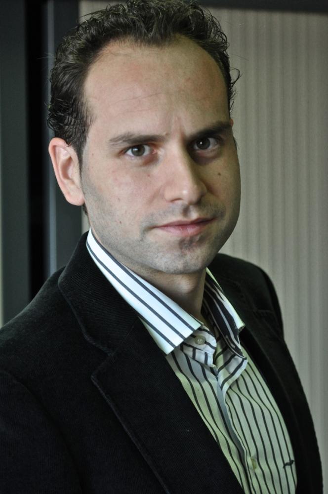 Dr. Adrián Ferrandis Martínez